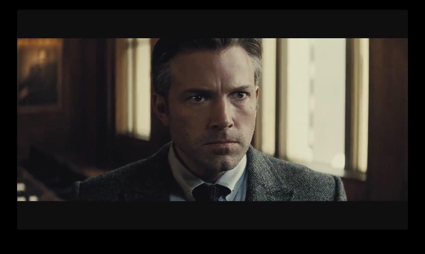 Batman V Superman >> 150712-trailer17.html
