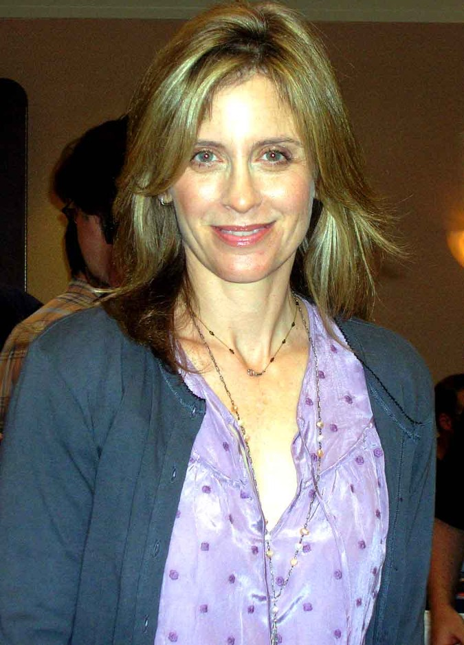 Helen Slater at the Super Megashow and Comicfest. [Date: July 22, 2008]