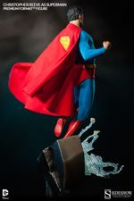 Sideshow Collectibles Superman Figure