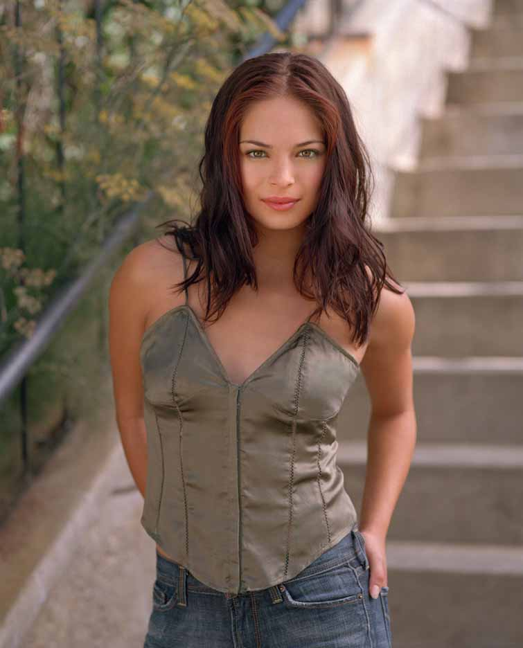 http://www.supermanhomepage.com/images/smallville/season3-lana1.jpg